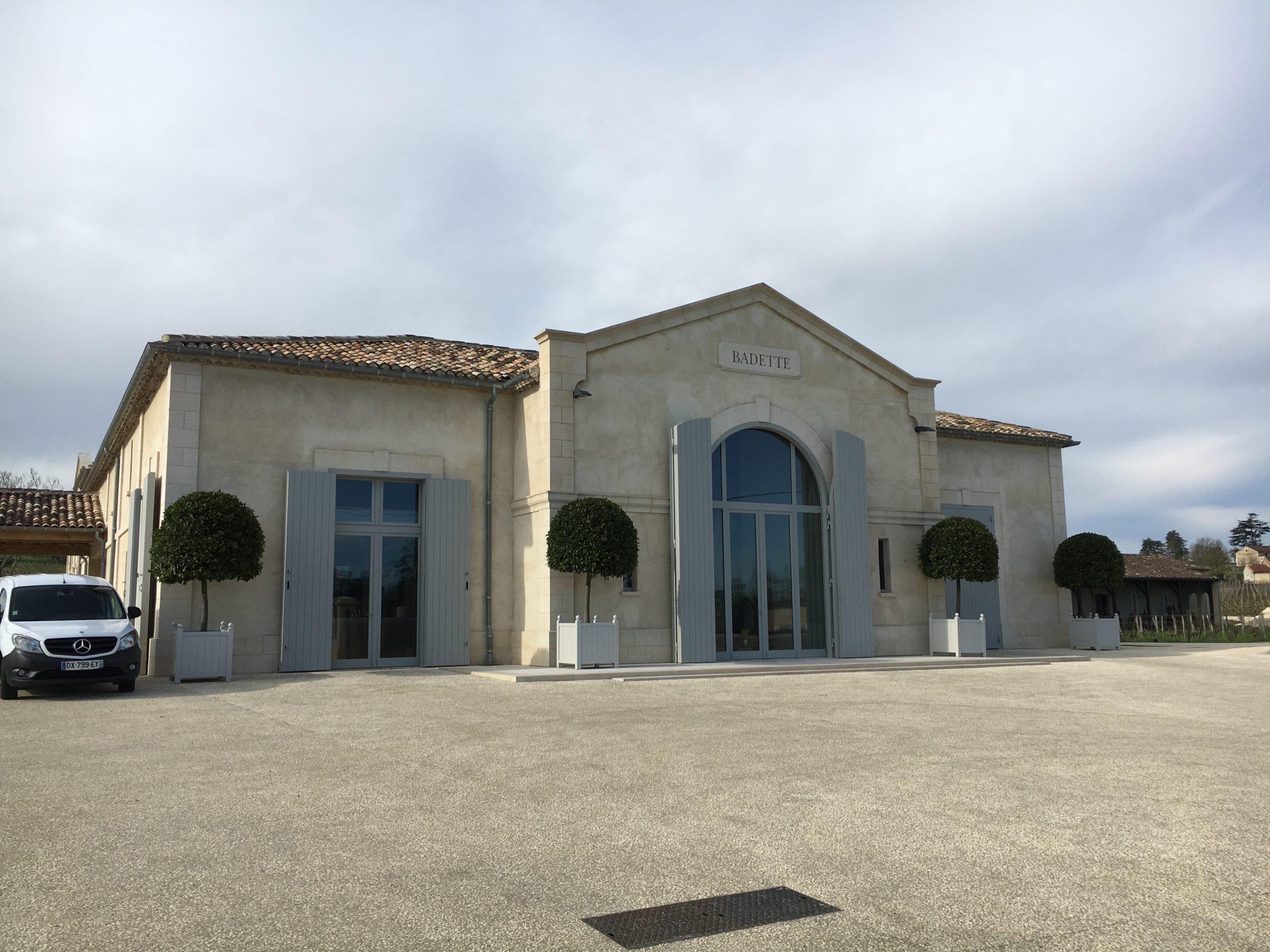 Renovation du Château Babette dans le Saint Emilion : peinture, boiserie, plafond, sol refaits par l'entreprise Marcillac et fils