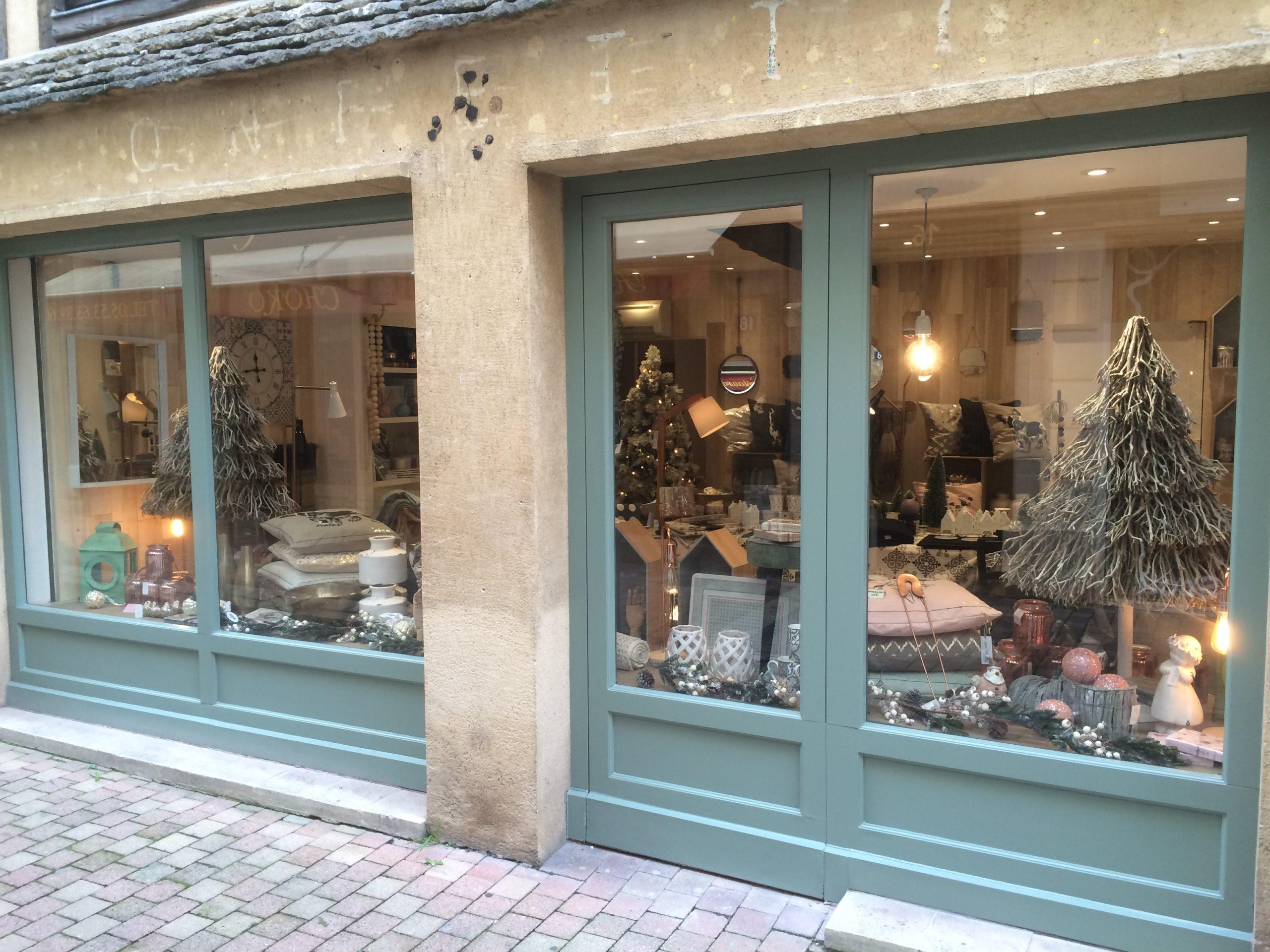 rénovations extérieure et intérieur de la boutique de décoration Le Boudoir de Zofia à Bergerac, par la SARL Marcillac et Fils
